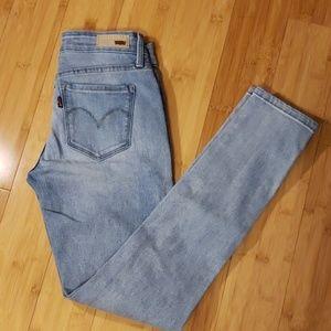 EUC Levis Demi Curve Mid Rise Skinny Jean
